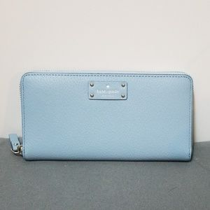 🎀 SALE  🎀 NWT Kate spade wallet